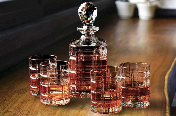 A Brief Guide to Whiskey Decanters